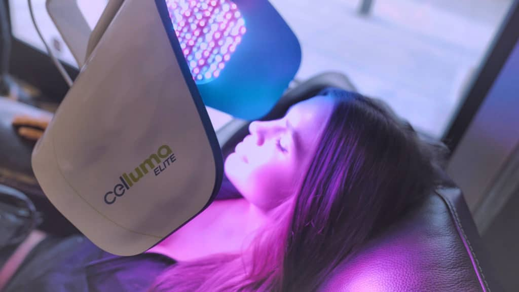Celluma Elite - woman receiving treatment